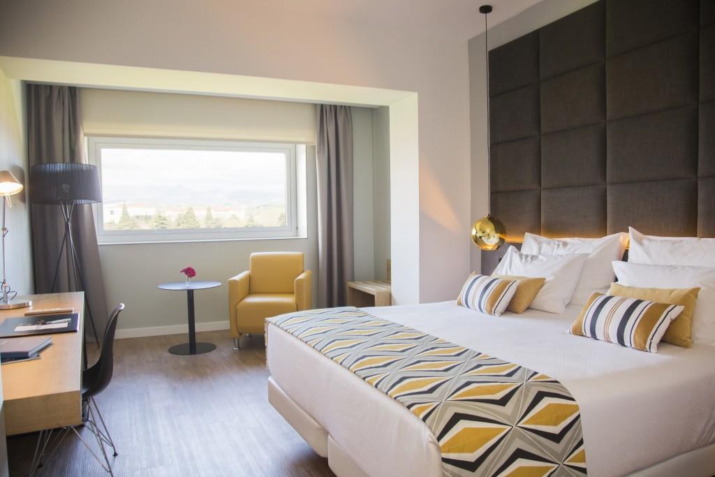 HABITACION ORO Y GRIS Hotel Tres Reyes